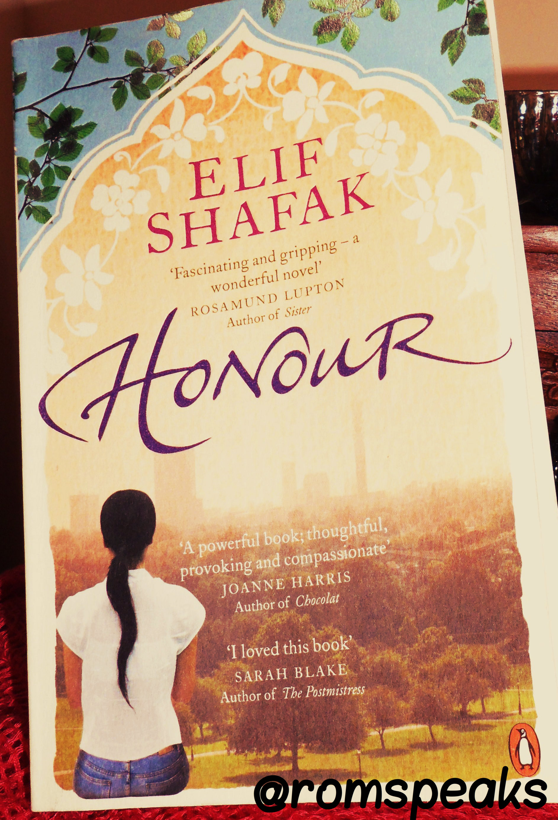| GuestBlogging | Book Review | Honour | Elif Shafak | Book set in Japan/China/Turkey |